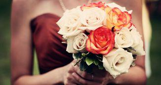 Trucul simplu pe care trebuie sa-l stie oricine! Cum sa faci trandafirii sa reziste mai mult!