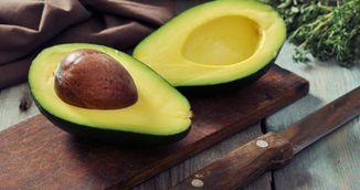 Top 7 motive pentru care trebuie sa mananci un avocado in fiecare zi!
