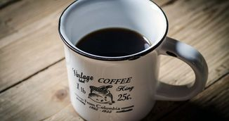 Bei cafea pe stomacul gol? Te distruge! De ce sa nu mai faci niciodata asta!