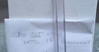 Dupa 9 ani de la casatorie, cuplul asta a descoperit un cadou nedesfacut in dulap! Au avut o surpriza uriasa!