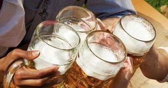 Cel mai tare truc: uite cum poti sa bei toata noaptea fara sa te imbeti deloc!