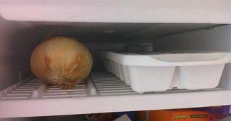 De ce sa pui ceapa in congelator inainte sa gatesti