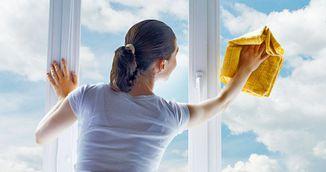 Stiai acest truc? Cum sa speli geamurile ca sa nu se murdareasca repede iar