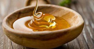 Mituri despre miere. Ce e adevarat si ce e fals