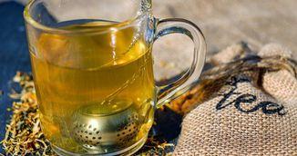 A adaugat piper in ceaiul verde pe care tocmai si-l pregatise! Vei incerca si tu imediat