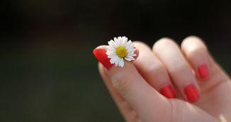 Simti amorteala in degetele de la mana dreapta? Uite ce problema grava de sanatate ai!