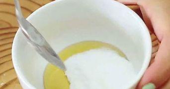 A amestecat bicarbonat de sodiu si miere si a consumat trei lingurite pe zi, timp de 30 de zile! Ce i s-a intamplat apoi!