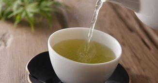 Ce sa adaugi in ceaiul verde ca sa te ajute sa slabesti! Trucul asta face MINUNI!