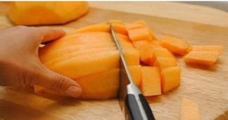 Atentie mare! Nu mai manca niciodata aceste fructe in combinatie cu alte alimente! Poti avea probleme grave de sanatate!