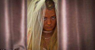 I-a ruinat ziua! Mireasa asta a plans in ziua nuntii dupa ce mierele i-a conceput o rochie ieftina iar el a plecat sa distreze in Marbella!