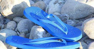 Porti papuci de plaja? Uite ce in ce hal iti distrug picioarele!
