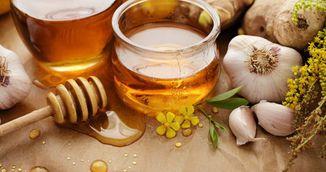 Foarte tare! Uite ce ti se intampla in corp daca mananci miere si usturoi pe stomacul gol timp de o saptamana!