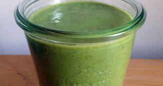 Prepara-ti un smoothie detoxifiant cu kale care iti vindeca tot corpul - Reteta geniala