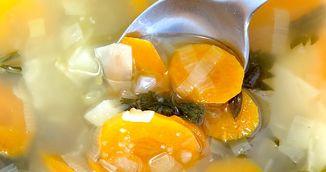 Dieta cu supa cu legume. Slabesti 5 kilograme in 7 zile. Cum arata meniul