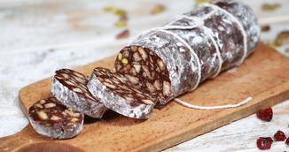 Salam de biscuiti cu nuci si visine din dulceata - Reteta veche de la tara