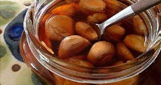 A amestecat usturoi cu miere si otet de mere si a obtinut cel mai puternic antibiotic. Cum il poti prepara si tu acasa