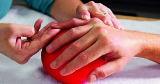 Simti durere sau intepaturi in degete? Iata ce trebuie sa faci urgent!