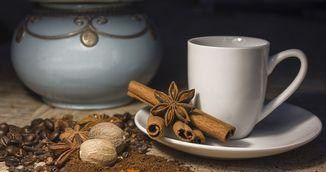 Trucuri sanatoase care iti transforma cafeaua intr-un desert delicios