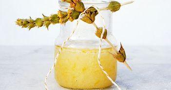 Scrub pentru corp, ten si unghii cu suc de lamaie, zahar si miere. Face minuni pentru tine