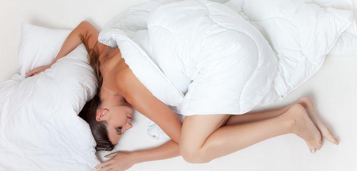 Trucuri pentru un somn linistit si o trezire usoara! Ce sa faci sa iti fie bine!