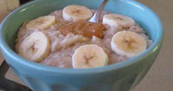 Invata sa prepari un mic dejun sanatos din doar trei ingrediente!