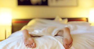 De ce lipsa somnului duce la mancat necontrolat si deci la ingrasat