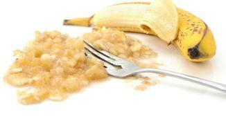 Zdrobeste o banana si adauga doua ingrediente! Nu vei mai tusi niciodata!