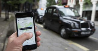 "Englezii spun ""Goodbye, Uber!"" Compania pierde licența în Londra"