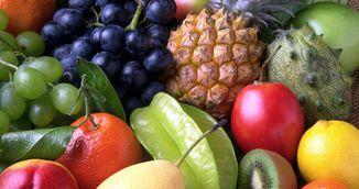 A aplicat apa oxigenata pe fructele pe care le-a cumparat de la piata! Vei incerca si tu acest truc!