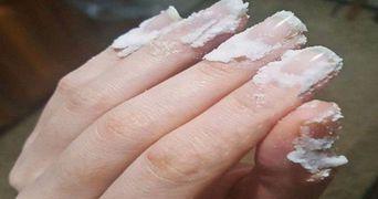 De ce sa-ti masezi unghiile cu bicarbonat de sodiu. Trucul pe care trebuie sa-l stie toate femeile
