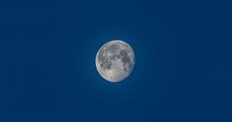 Horoscop de Luna Albastra. Trei planete sunt retrograde. Apar schimbari uriase