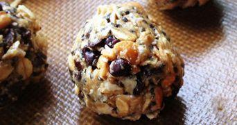 Desertul sanatos care iti satisface pofta de dulce: bilute proteice cu ciocolata!
