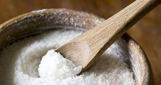 Cel mai eficient scrub pentru celulita. Ai nevoie de sare de mare si ulei de masline