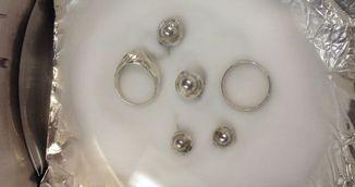 Trucul genial care scoate toate petele negre de pe bijuteriile de argint. Trebuie sa-l incerci